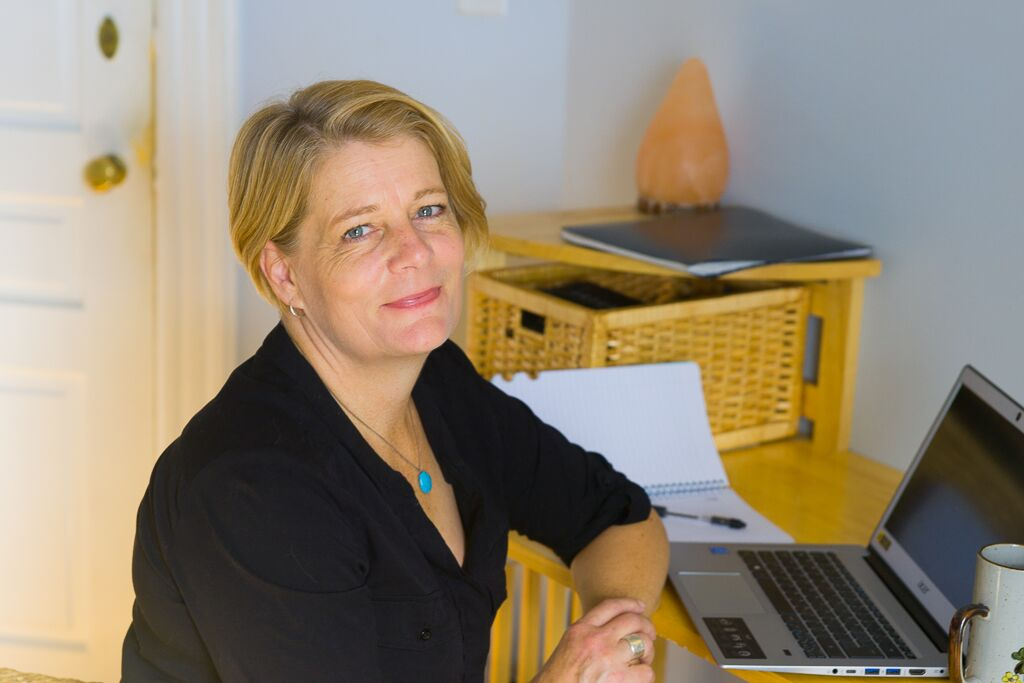 Mary Cross, CBT Therapist